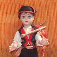 Muñeca española clasica: MUÑECO DE INDUSTRIAS LEB,HERMANO DE SARITA,VESTIDO DE ASTURIANO,AÑOS 50. Lote 93705250