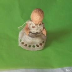 Muñeca española clasica: ANTIGUO PEQUEÑO MUÑECO CELULOIDE O SIMILAR.ARTICULADO BRAZOS Y PIERNAS. Lote 93966017
