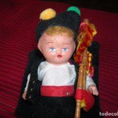 Muñeca española clasica: PRECIOSO MUÑEQUITO DE TERRACOTA,VESTIDO DE GALLEGO.. Lote 94786507