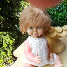 Muñeca española clasica: MUÑECA DE DOS CARAS DE LOS AÑOS 50-60 CON CAMISOLA Y TRAJE DE PASEO. Lote 97289063
