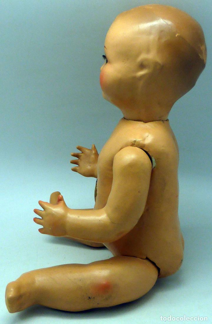 Muñeca española clasica: Bebé cabeza cerámica ojo durmiente cuerpo cartón piedra lloro años 40 - 50 40 cm alto - Foto 3 - 102005419