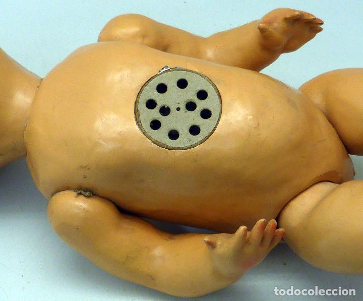 Muñeca española clasica: Bebé cabeza cerámica ojo durmiente cuerpo cartón piedra lloro años 40 - 50 40 cm alto - Foto 6 - 102005419