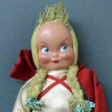 Muñeca española clasica: CAPERUCITA ROJA CABEZA CELULOIDE CUERPO TRAPO WERLI FLORIDO Ó SIMILAR AÑOS 50 34 CM ALTO. Lote 102708951