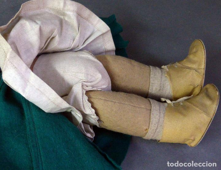 Muñeca española clasica: Muñeca abrigo verde y botas trapo y fieltro Florido ó similar años 50 35 cm alto - Foto 6 - 102709415