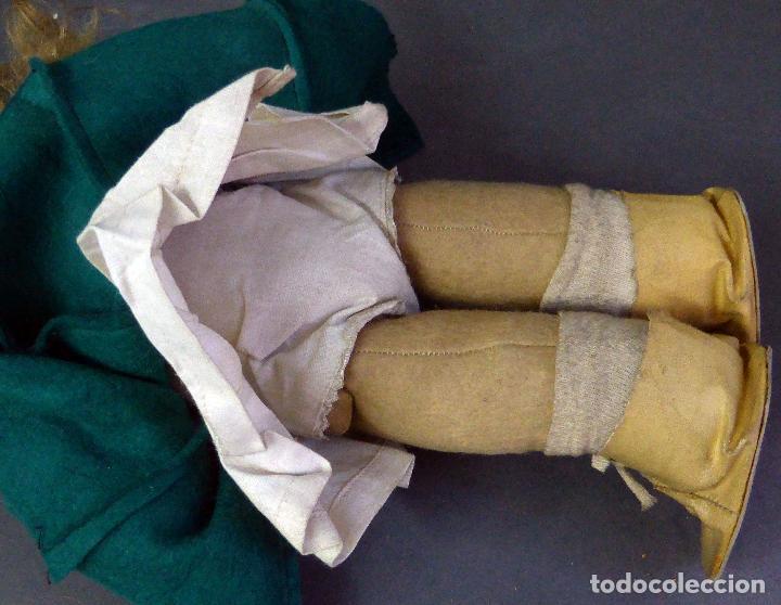 Muñeca española clasica: Muñeca abrigo verde y botas trapo y fieltro Florido ó similar años 50 35 cm alto - Foto 7 - 102709415