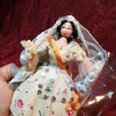 Muñeca española clasica: MUÑECA TRAPO Y ALAMBRE TRAJE REGIONAL FALLERA VALENCIA AÑOS 50 LAYNA NUEVA SIN USO . Lote 110399227