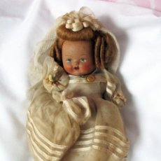 Muñeca española clasica: ANTIGUA MUÑEQUITA DE TERRACOTA 15CM COMUNIÓN - DOLL, POUPÉE. Lote 110803075
