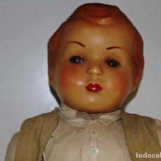 Muñeca española clasica: ANTIGUO MUÑECO DE GRAN TAMAÑO EN CARTÓN PIEDRA CON ROPA DE LA ÉPOCA . Lote 112258375
