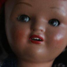 Muñeca española clasica: MARICELA SANTIAGO MOLINA CON GORRO Y VESTIMENTA ORIGINAL. Lote 115421911