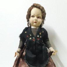 Muñeca española clasica: PRECIOSA MUÑECA DE TRAPO - TELA CON LA CARA PINTADA . TRAJE DE BATURRA . ALTURA 45 CM. Lote 115498719