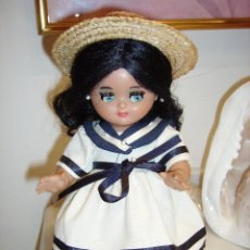 Muñeca española clasica: LINDA PIRULA CON TRAJE DE CALLE. Lote 115733427