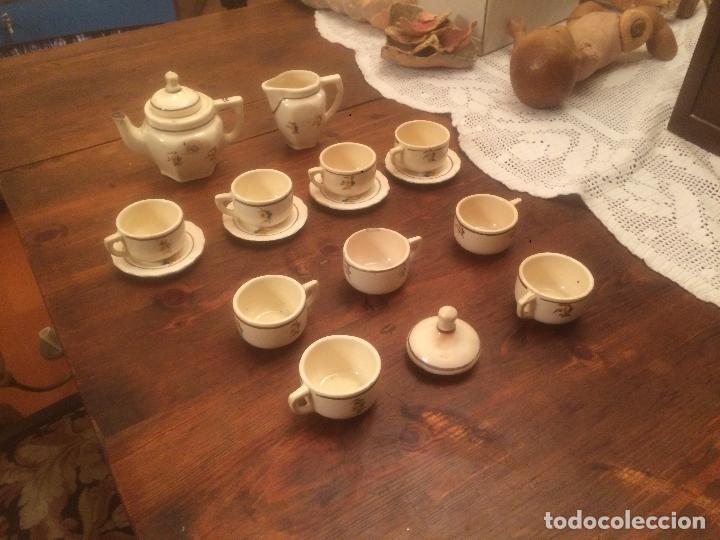 Muñeca española clasica: Antiguo juego de cafe / vajilla de ceramica blanca/ beix de juguete para muñeca años 40 - Foto 2 - 116572299