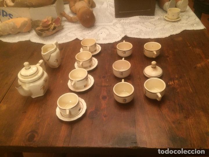 Muñeca española clasica: Antiguo juego de cafe / vajilla de ceramica blanca/ beix de juguete para muñeca años 40 - Foto 12 - 116572299