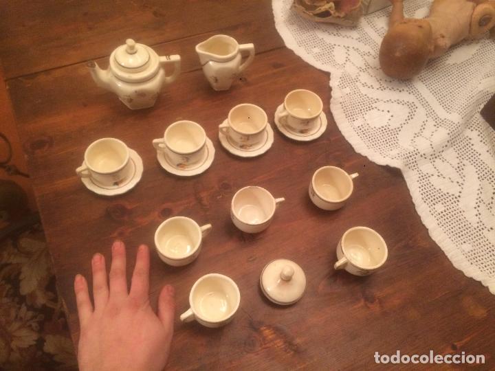 Muñeca española clasica: Antiguo juego de cafe / vajilla de ceramica blanca/ beix de juguete para muñeca años 40 - Foto 15 - 116572299