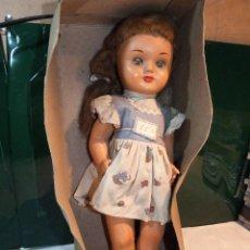 Muñeca española clasica: ANTIGUA MUÑECA DE CELULOSA, MUEVE LOS PARPADOS Y PARLANTE.. Lote 116731327
