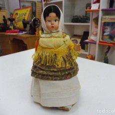 Muñeca española clasica: MUÑECA CON TRAJE REGIONAL CELULOIDE PELO MOHAIR AÑOS 50. Lote 117134227