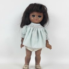 Muñeca española clasica: MUÑECA DE CELULOIDE. SIN MARCAS DE AUTORÍA. CIRCA 1960.. Lote 117744235
