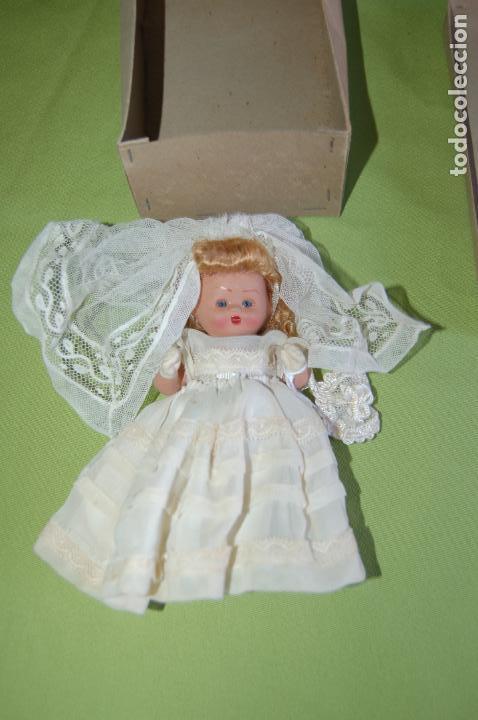 Muñeca española clasica: muñeca de comunión en caja de denia - Foto 3 - 119111715