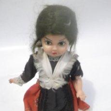 Muñeca española clasica: ANTIGUA MUÑECA DE CELULOIDE VESTIDA TRAJE REGIONAL . Lote 137886253