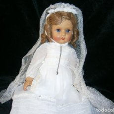 Muñeca española clasica: MUÑECA MARIQUITA PEREZ? VESTIDA DE COMUNIÓN CON OJOS DURMIENTES EN SU CAJA ORIGINAL PELO MOHAIR. Lote 121456451