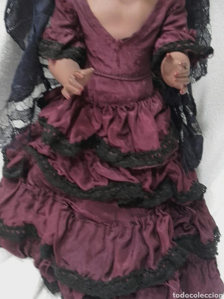 Muñeca española clasica: ANTIGUA MUÑECA FLAMENCA FARALAES DE PLÁSTICO CON VESTIDO, PEINETA, MANTILLA Y COLLAR, MIDE 33 CM - Foto 4 - 122908586