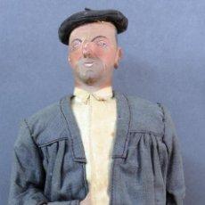 Muñeca española clasica: PAISANO VASCO BOINA PARAGUAS CARTÓN PIEDRA PIEL Y TRAPO AÑOS 30 30 CM ALTO. Lote 125831975