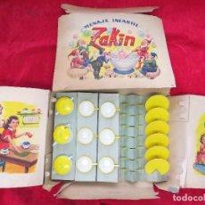 Muñeca española clasica: MENAJE INFANTIL ZAKIN. NUEVO SIN USO EN CAJA ORIGINAL. PLASTICO DURO. AÑOS 50.. Lote 129134083