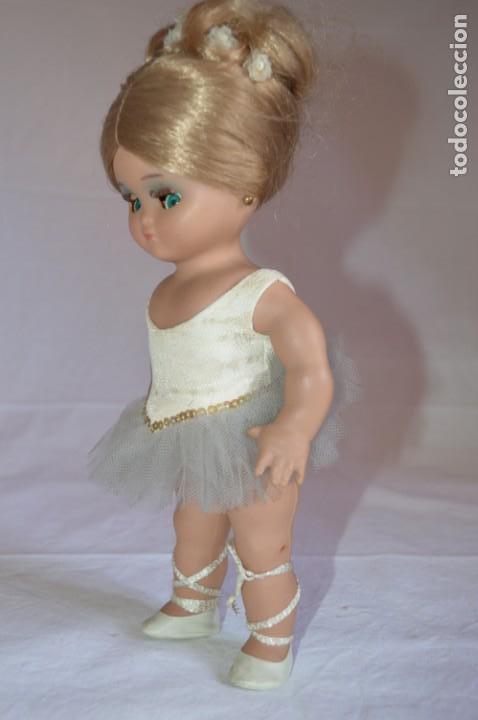 Muñeca española clasica: Linda Pirula bailarina. Años 50/60. Muñecas de Alba. Fabricada en España. romanjuguetesymas. - Foto 2 - 130500866