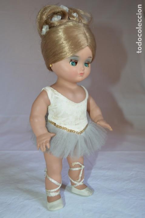 Muñeca española clasica: Linda Pirula bailarina. Años 50/60. Muñecas de Alba. Fabricada en España. romanjuguetesymas. - Foto 4 - 130500866
