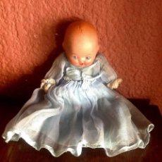 Muñeca española clasica: ANTIGUA MUÑECA DE TERRACOTA OJOS DURMIENTE Y VESTIDO ORIGINAL.. Lote 132205682