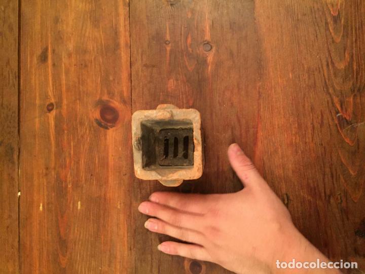 Muñeca española clasica: Antiguo pequeño fogón / cocina de ceramica de juguete de los años 20-30 - Foto 5 - 133535286