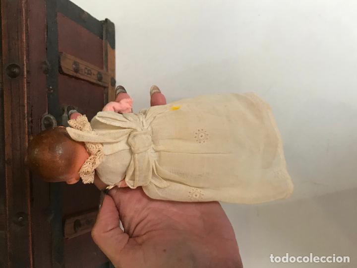 Muñeca española clasica: MUÑECO BEBÉ. TERRACOTA Y TRAPO CON FALDON PINTADO A MANO. ESPAÑA. AÑOS 30 - Foto 10 - 135789406