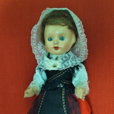 Muñeca española clasica: PRECIOSA MUÑECA DE FLORIDO,REINITA? AÑOS 50 CON VESTIDO REGIONAL.PARECIDA A MARIVI. Lote 138981250