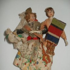 Muñeca española clasica: ANTIGUOS FALLEROS FALLERO Y FALLERA DE TRAPO EN OFRENDA FLORAL. Lote 139969114