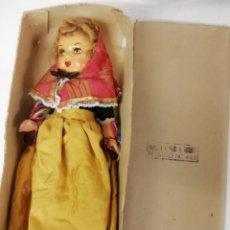 Muñeca española clasica: MUÑECA DE TERRACOTA, CON TRAJE MALLORQUIN, DE PRINCIPIO S.XX. EN SU CAJA , SIN USO. 27 CMS.MALLORCA. Lote 141678726