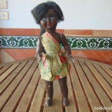 Muñeca española clasica: MUÑECA NEGRA CARTON PIEDRA Y CABEZA DE CELULOIDE MARCADA TERESIN ?? CONJUNTO ORIGINAL. Lote 142510250
