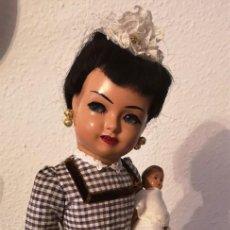 Muñeca española clasica: MAGNIFICA MUÑECA SISSI (PR.LEB) VESTIDA DE NIÑERA ORIGINAL CON BEBE ,AÑOS 50. Lote 142911650