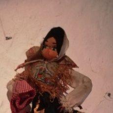 Muñeca española clasica: BELLÍSIMA MUÑECA DE TRAPO ATAVIADA CON TRAJE TÍPICO. VINTAGE. Lote 142923020