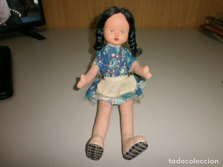 Muñeca española clasica: antigua muñeca a identificar cabeza celuloide o plastico duro cuerpo de trapo mide 32 cms - Foto 3 - 145182618
