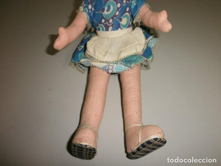 Muñeca española clasica: antigua muñeca a identificar cabeza celuloide o plastico duro cuerpo de trapo mide 32 cms - Foto 4 - 145182618
