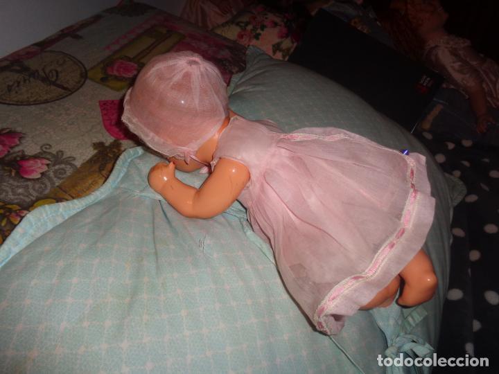 Muñeca española clasica: BEBE QUIQUE, VESTIDO DE ORIGEN, MUY BIEN CONSERVADO, ES EL PEQUEÑO DE LA FAMILIA - Foto 3 - 147471670