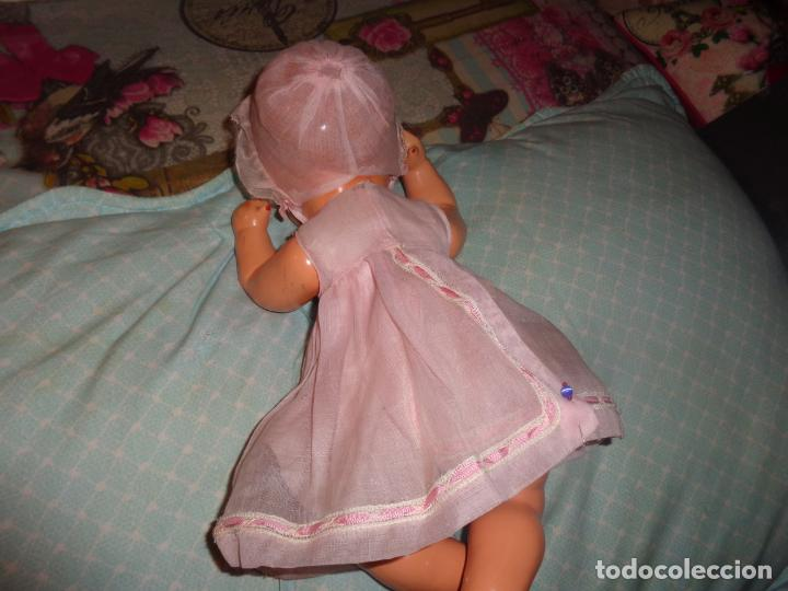 Muñeca española clasica: BEBE QUIQUE, VESTIDO DE ORIGEN, MUY BIEN CONSERVADO, ES EL PEQUEÑO DE LA FAMILIA - Foto 4 - 147471670