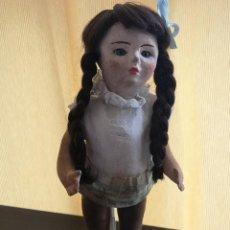 Muñeca española clasica: POSIBLE MUÑECA ESPAÑOLA,AÑOS 30 ,CON ROPAS ORIGINALES . Lote 147616914