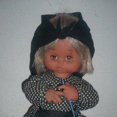 Muñeca española clasica: MUÑECA DE LOS AÑOS 50/60 CON TRAJE ESTILO RURAL. Lote 148079742