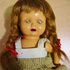 Muñeca española clasica: ANTIGUA MUÑECA EN CELULOIDE DE ICSA. OJOS DURMIENTES. MARCA EN LA NUCA. 38 CM ALTURA. Lote 148291542