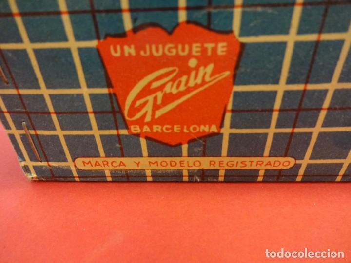 Muñeca española clasica: NECESER de VIAJE para tu muñeca. Juguete GRAIN. Barcelona. Original años 1960s. 21 x 15 ctms. - Foto 6 - 149202598