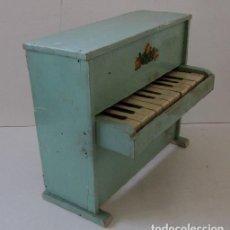Muñeca española clasica: PIANO DE MADERA PARA MUÑECA. Lote 150337506