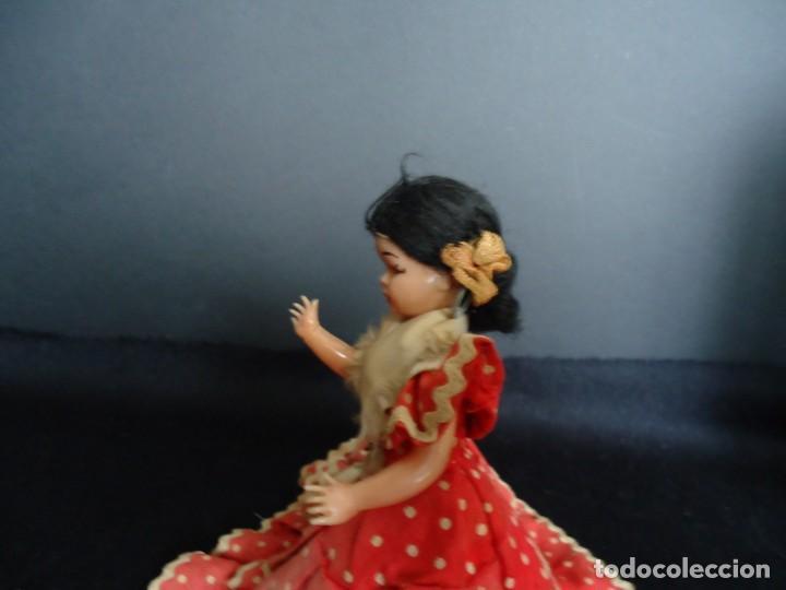 Muñeca española clasica: ANTIGUA MUÑECA DE PLASTICO DURO Y OJOS DURMIENTES VESTIDA DE FLAMENCA - Foto 2 - 150738450
