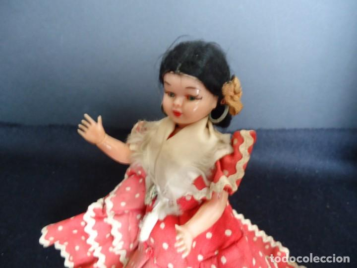 Muñeca española clasica: ANTIGUA MUÑECA DE PLASTICO DURO Y OJOS DURMIENTES VESTIDA DE FLAMENCA - Foto 3 - 150738450