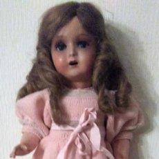 Muñeca española clasica: MUÑECA AÑOS 30 CUERPO CARTÓN, CABEZA CERÁMICA. OJOS CRISTAL DURMIENTE. PELO NATURAL 45 CM. Lote 150785898